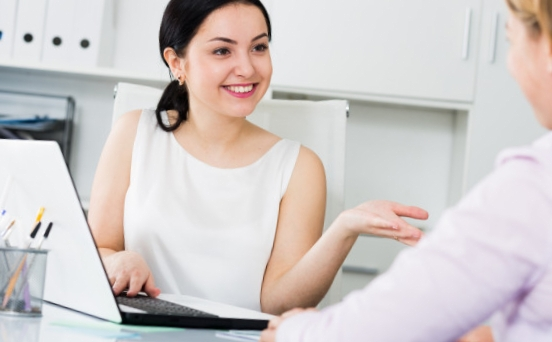Banque en ligne service client : trouver la meilleure pour vous